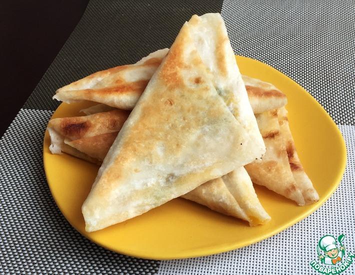 Рецепт: Треугольники из лаваша с сыром