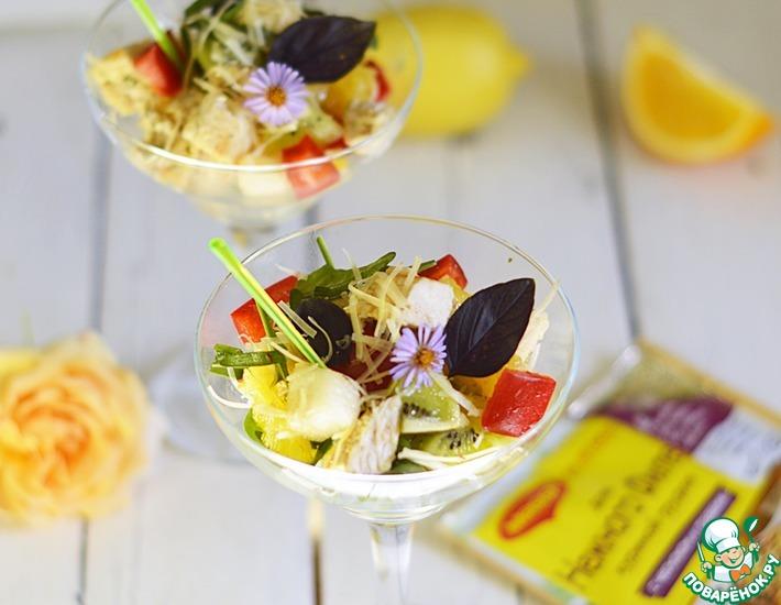 Рецепт: Салат с курицей и фруктами