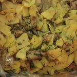 Картофель с мясом и грибами в рукаве