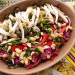 Салат с курицей и краснокочанной капустой