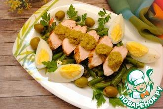 Рецепт: Куриный салат с оливковой пастой