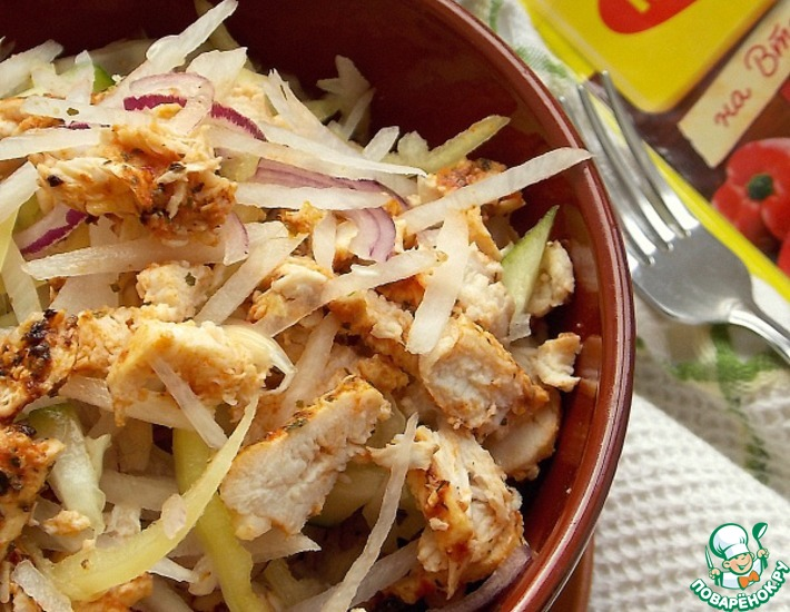 Рецепт: Салат из куриной грудки с дайконом