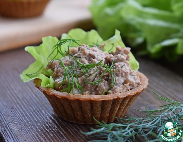 Рецепт: Печеночный паштет с маринованными огурцами