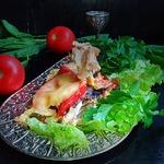 Скумбрия, запеченная с овощами и сыром