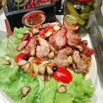 Теплый салат Баклажаны с телятиной