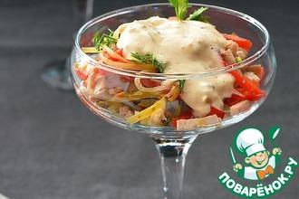 Рецепт: Салат с бужениной и маринованным огурцом