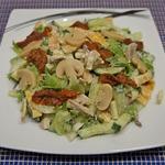 Салат с шампиньонами и сулугуни