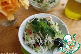 Рецепт: Капустно-огуречный салат с мятой