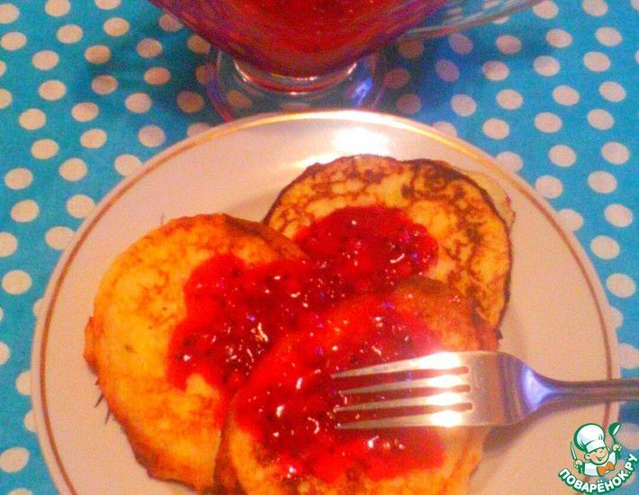 Рецепт: Рисовые сырники с ягодным соусом