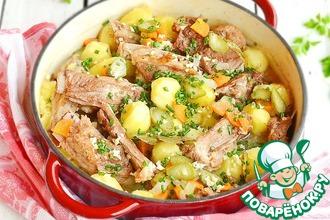 Рецепт: Домашнее жаркое с ребрышками и картофелем