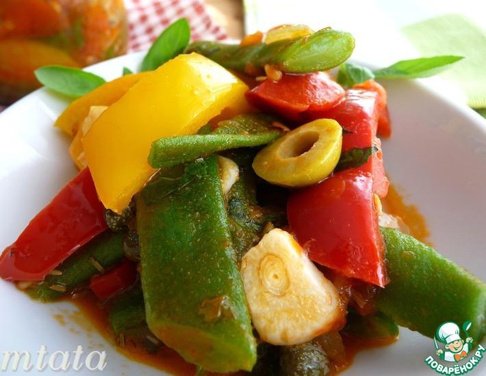 Рецепт: Стручковая фасоль в томатном соусе