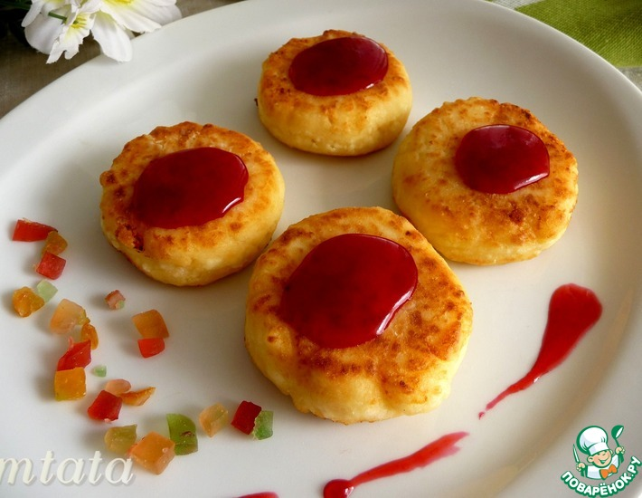 Рецепт: Сырники с цукатами