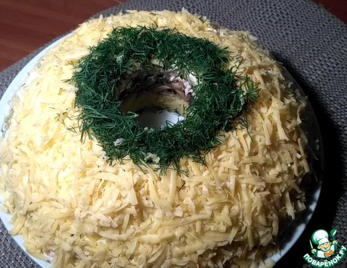 Рецепт: Салат слоеный с курицей и грибами