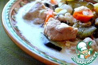 Рецепт: Сливочно-чесночные кабачки с курицей