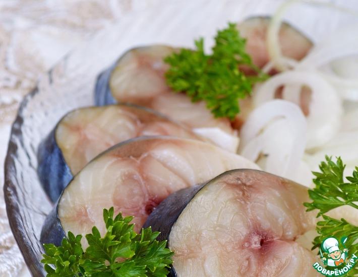 Рецепт: Слабосоленая скумбрия с петрушкой