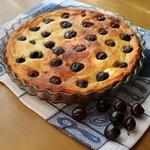 Мягкий пирог с рикоттой и черешней