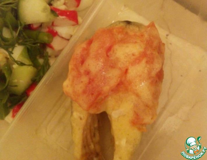 Рецепт: Паровая кета с помидором и сыром