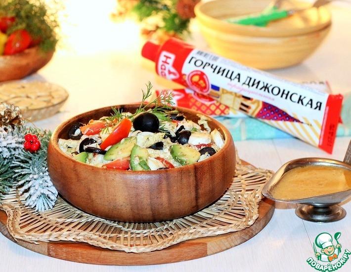 Рецепт: Салат с курицей, авокадо и моцареллой