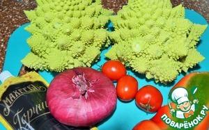 Набор продуктов для салата.    Разве капуста не похожа на ёлочки...