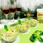 Салат овощной со шпинатом
