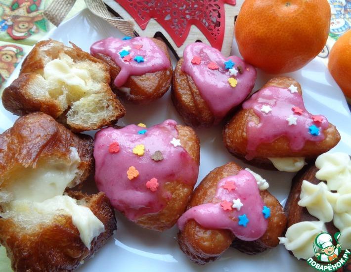 Рецепт: Пончики с кремом и глазурью