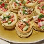 Волованы с салатом из тунца