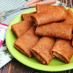Гороховые блины с печенью и рисом