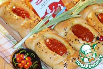 Рецепт: Кулебяки с сыром, овощами и сосисками