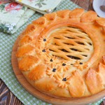 Пирог с квашеной капустой и опятами