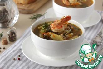 Рецепт: Суп с форелью и креветками