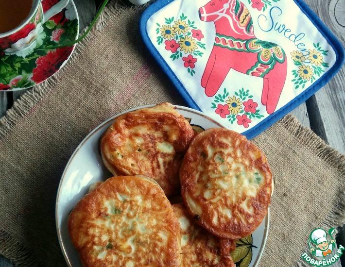 Рецепт: Оладьи с зеленым луком и яйцом
