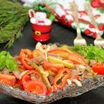 Салат с языком и пикантными овощами