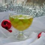 Виноградное желе с фруктами
