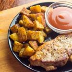 Жареная свинина с пряным картофелем
