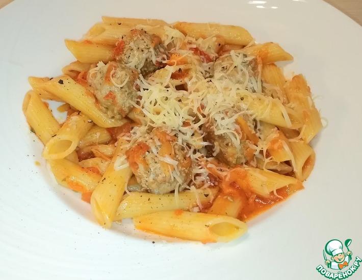 Рецепт: Паста с фрикадельками в томатном соусе