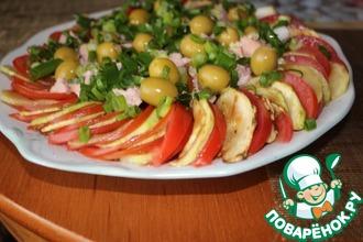 Рецепт: Салат из кабачков с тунцом