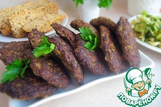 Рецепт: Печеночные котлеты с кабачком и петрушкой