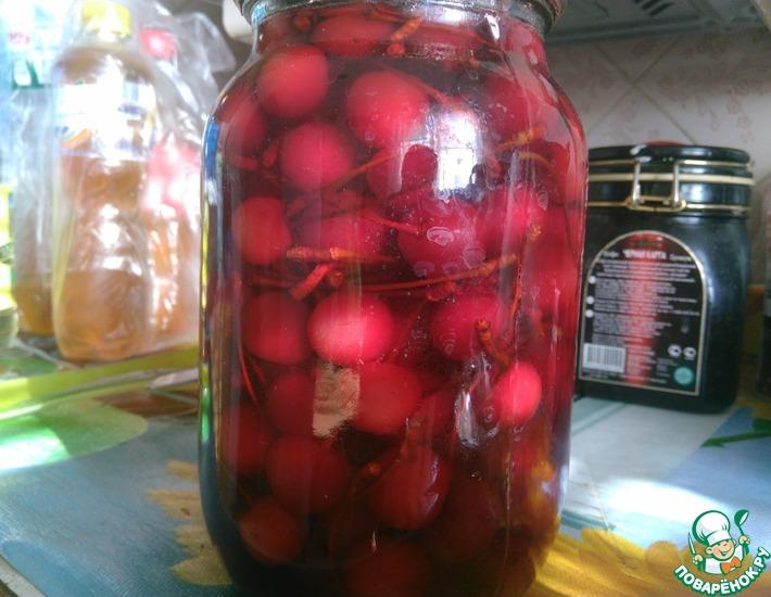 Рецепт: Маринованные вишни с хвостиками Под коньячок