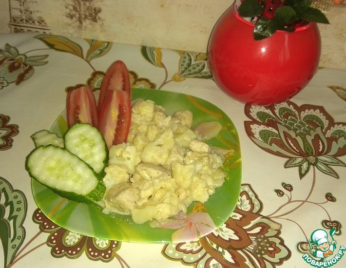 Рецепт: Курица с цветной капустой в сметане