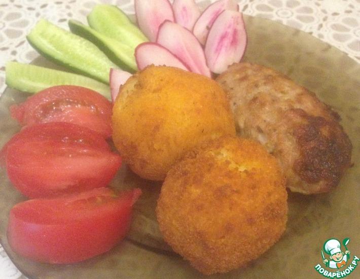Рецепт: Хрустящие картофельные шарики на гарнир