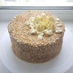 Торт Киевский с кремом шарлотт