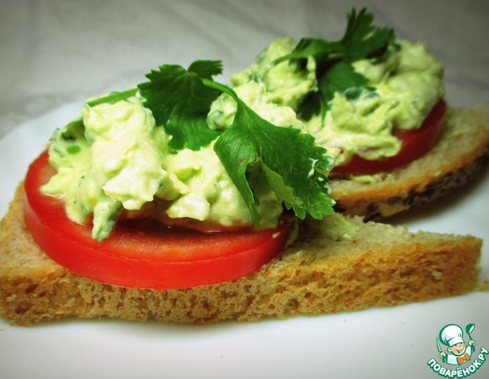 Бутерброды с творожно-лимонной авокадной намазкой