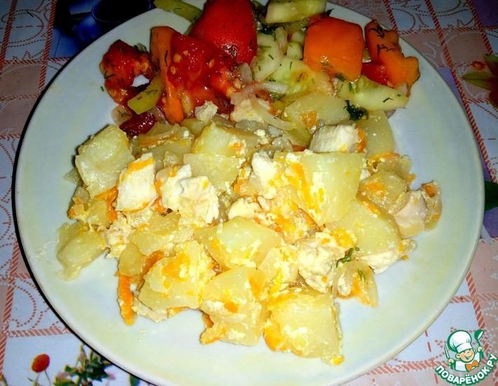 Рецепт: Тушеный картофель с курицей в сметане
