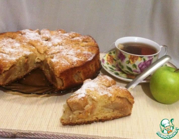 Рецепт: Яблочный пирог на яичном ликёре