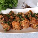 Тушёная курица в сметанном соусе