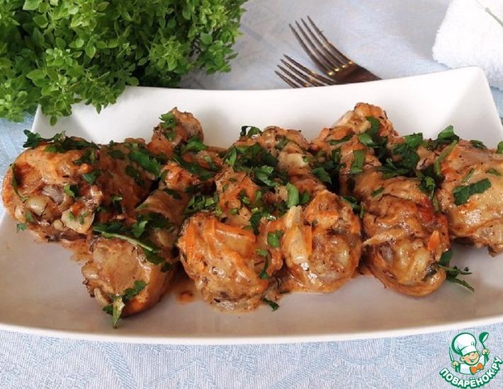 Рецепт: Тушёная курица в сметанном соусе