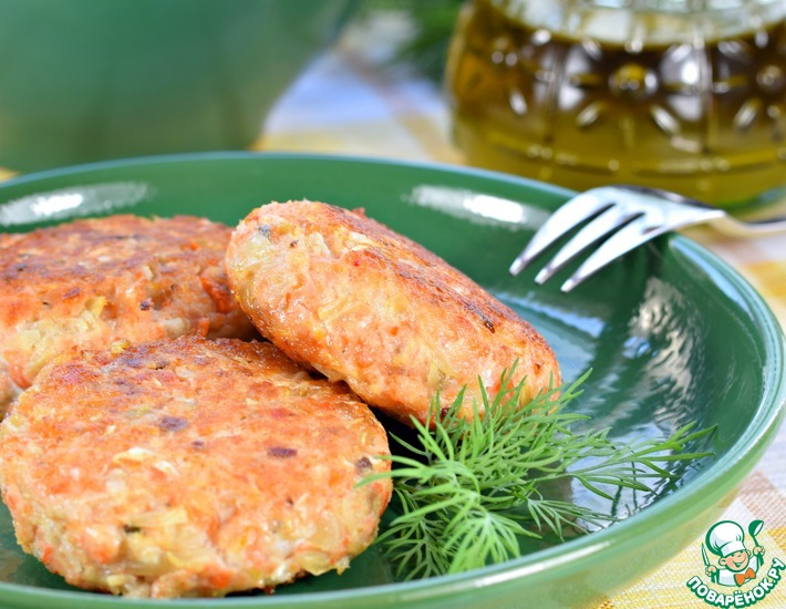Рецепт: Котлеты рыбные с квашеной капустой