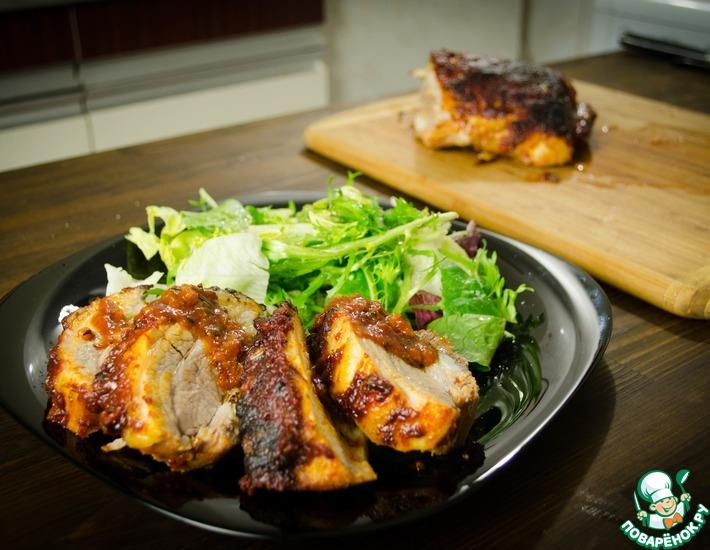 Рецепт: Запеченая свиная грудинка в пряном соусе