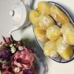 Булочки с желейной вишенкой – кулинарный рецепт