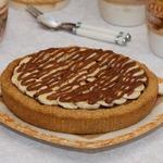 Овсяной пирог с шоколадно-финиковым кремом